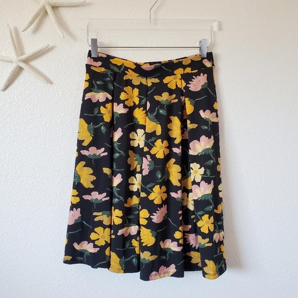 Lularoe Pleated Floral Madison Skirt Size Small
